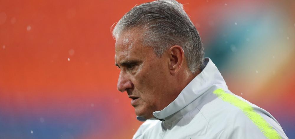 CBF oficializa convite para Tite seguir no comando da seleção brasileira