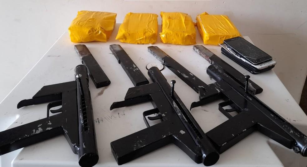 PM apreende quatro quilos de cocaína e três submetralhadoras em Jaguaquara