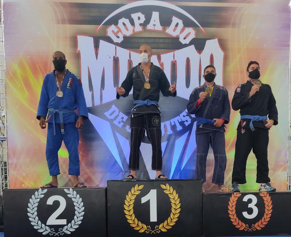 Atletas de Caetité ficam com o bronze na Copa do Mundo de Jiu Jitsu realizada em Brasília