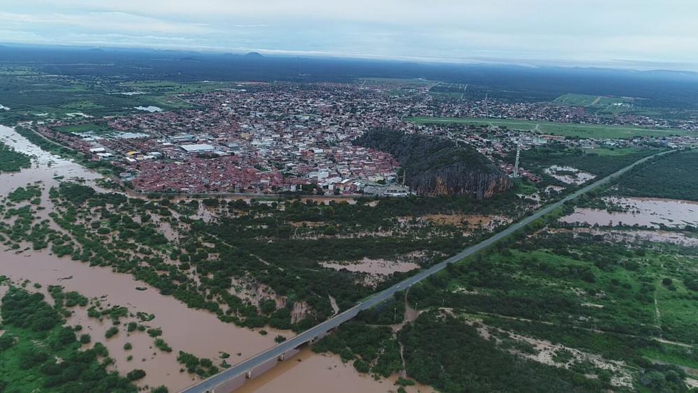 Bom Jesus da Lapa: Nível do Rio São Francisco alcança nível crítico e famílias já começam a deixar casas em ilhas