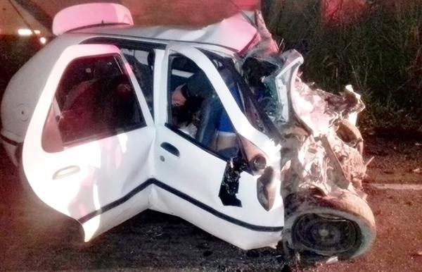 Oito pessoas morrem em grave acidente na BR-101