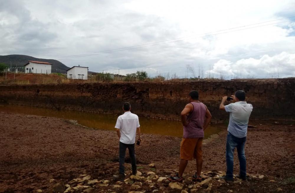 Rio do Pires: Engenheiros da Codevasf vistoriam Barragem do Rio da Caixa