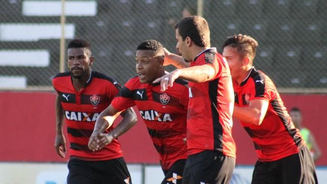 Vitória goleia o Vitória da Conquista por 5 a 0 e confirma Ba-Vi na final do Baianão